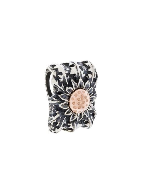 Colgante Ametsa de plata envejecida y Eguzkilore rosa