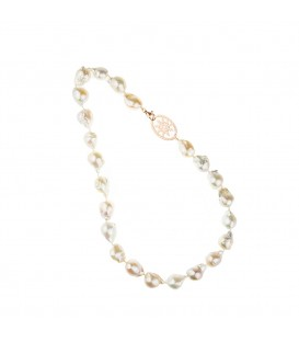 Collar de perlas cultivadas corto